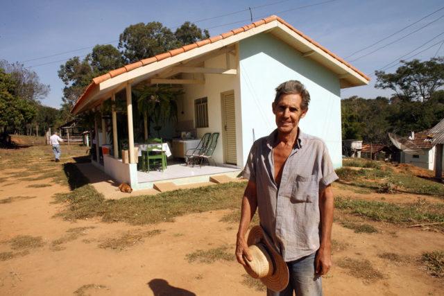 Casa Rural - casa do Sr. Antonio Marciano de Freitas Japira: 06-07-2007 Foto: Carlos Ruggi