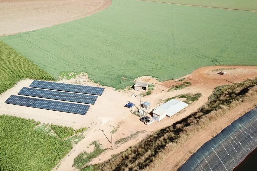 Primeiro pivô do mundo a base de energia solar é lançado