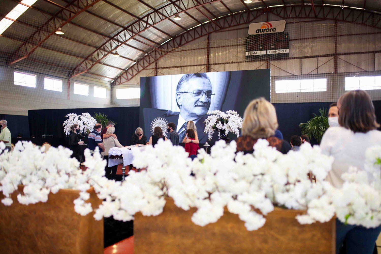 Chapecó se despede de um dos maiores líderes cooperativistas do Brasil