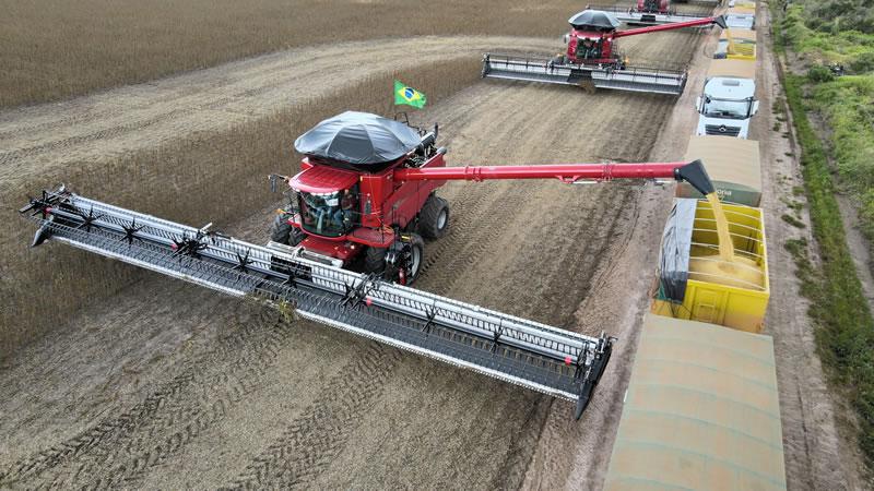 Brasil tem maior plataforma de corte para colheitadeiras do mundo
