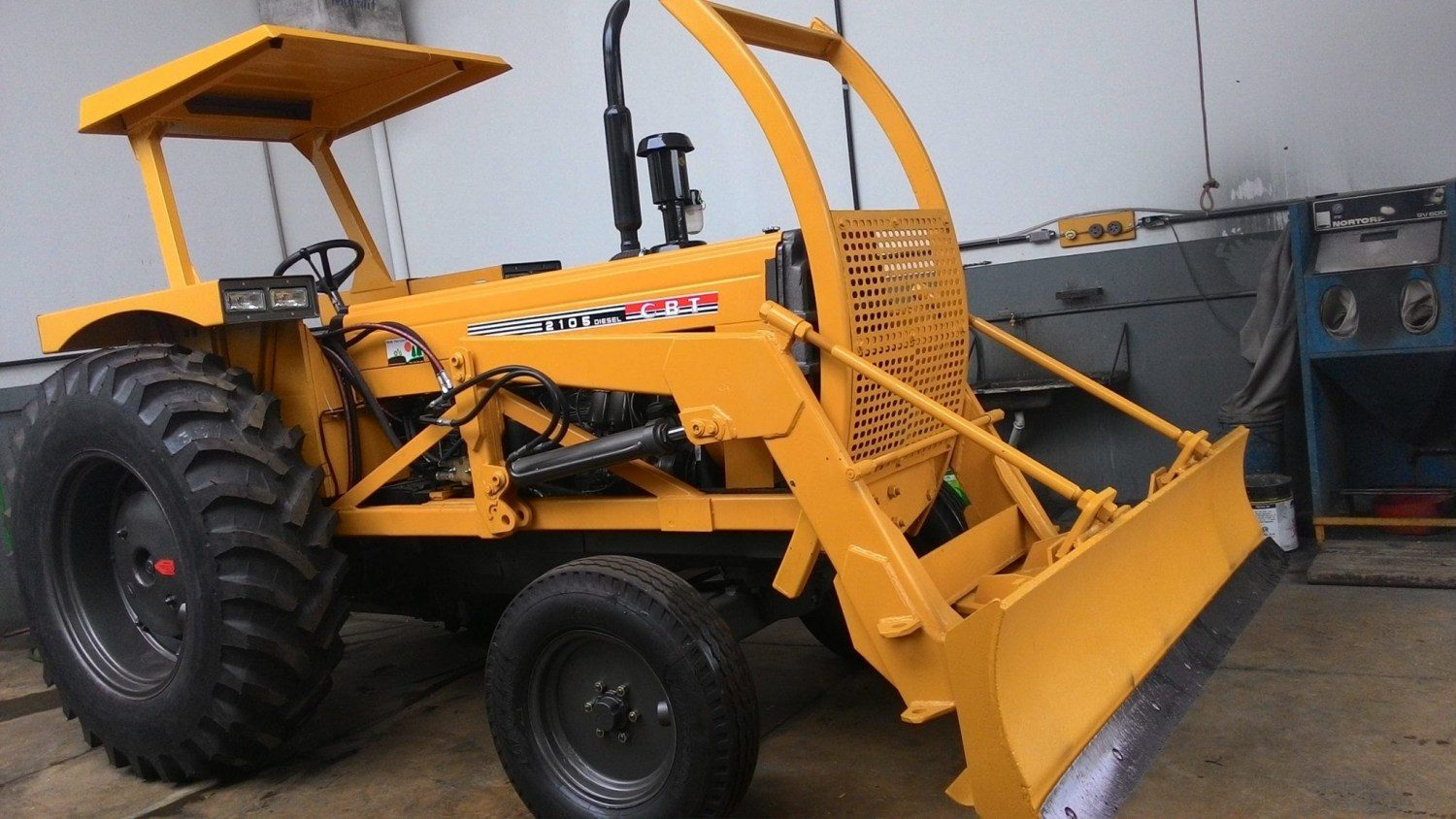 trator agricola CBT