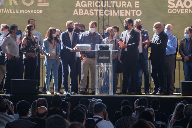 Estado confirma parceria com empresa para nova biotecnologia de cultura da soja